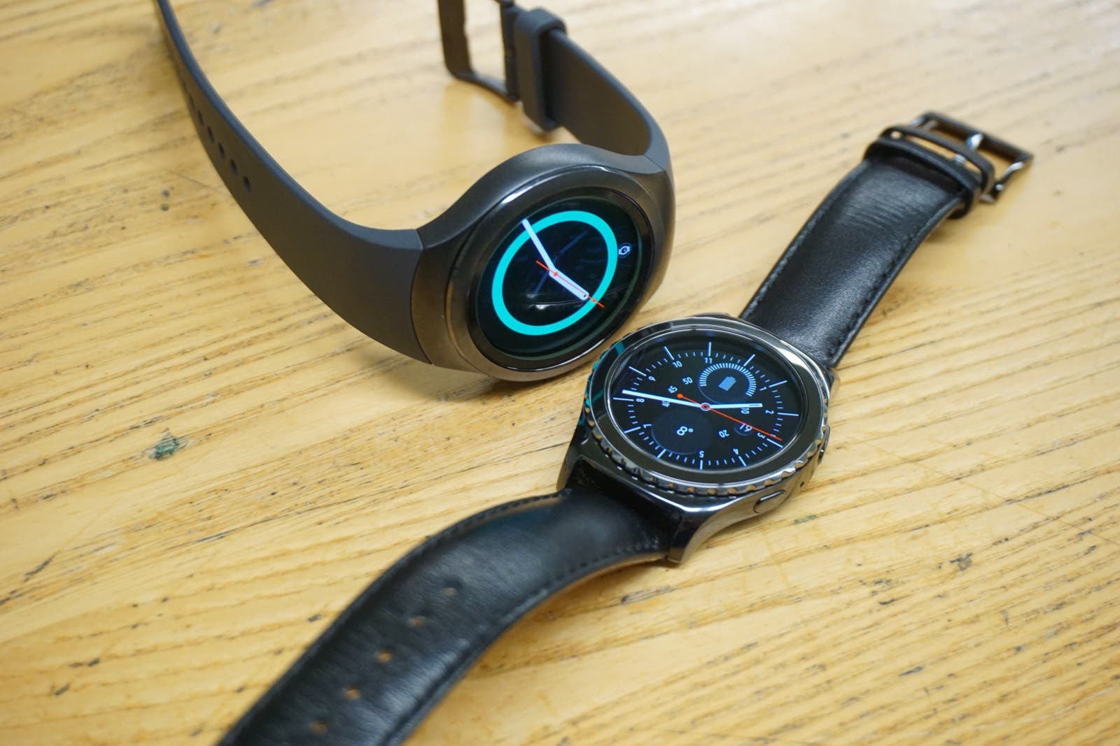 how to open samsung gear s2 classic