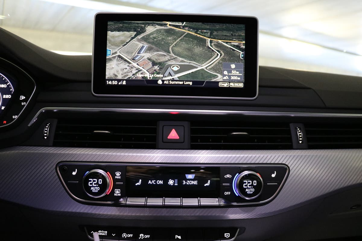 audi-a4-avant-2015-tech-check-apple-car-play-7