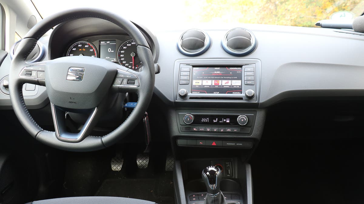 2015-Seat-Ibiza-Connect--3-2