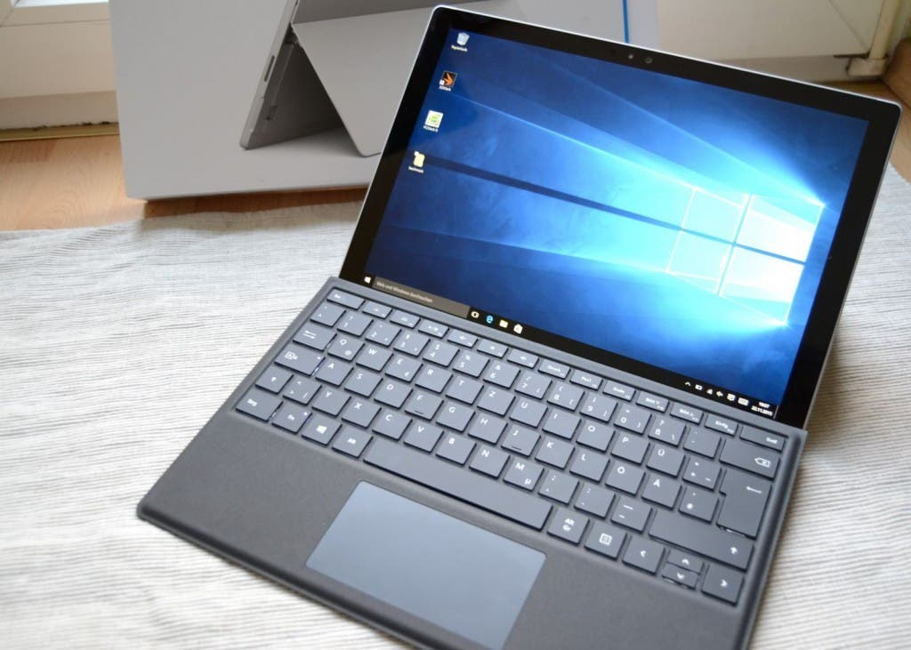 Surface Pro 4 mit TypeCover