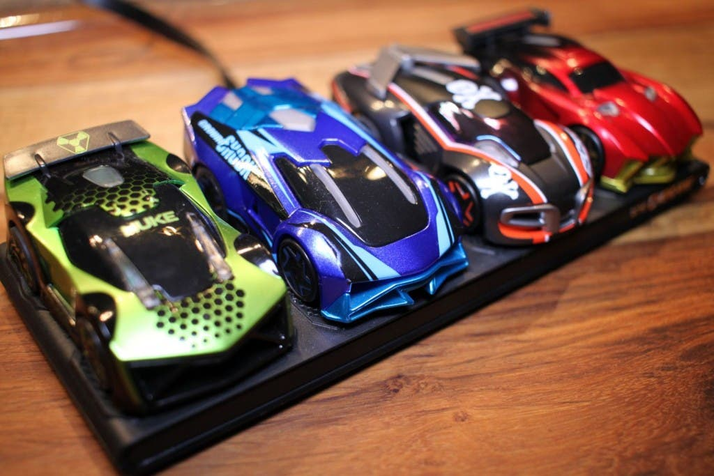 anki overdrive im test die bessere carrera bahn. Black Bedroom Furniture Sets. Home Design Ideas