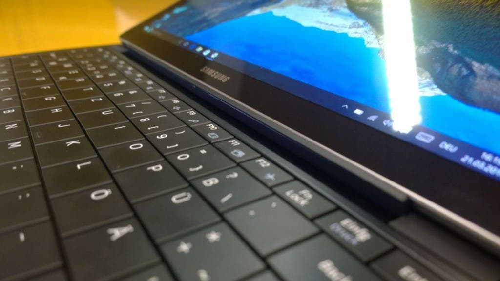 Samsung Galaxy TabPro S Tastatur Close-Up
