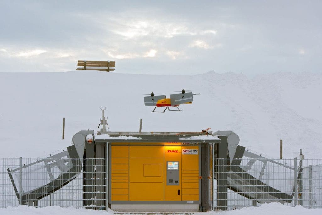 dhl-packstation-skyport-winter