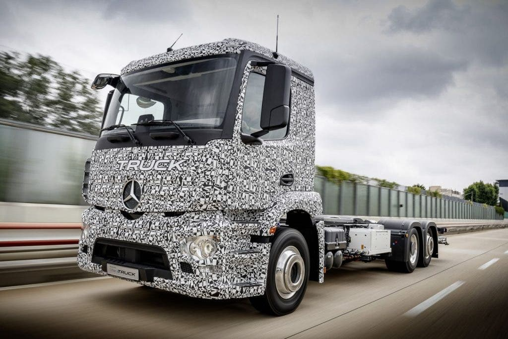 Mercedes-Benz urban eTruck_024