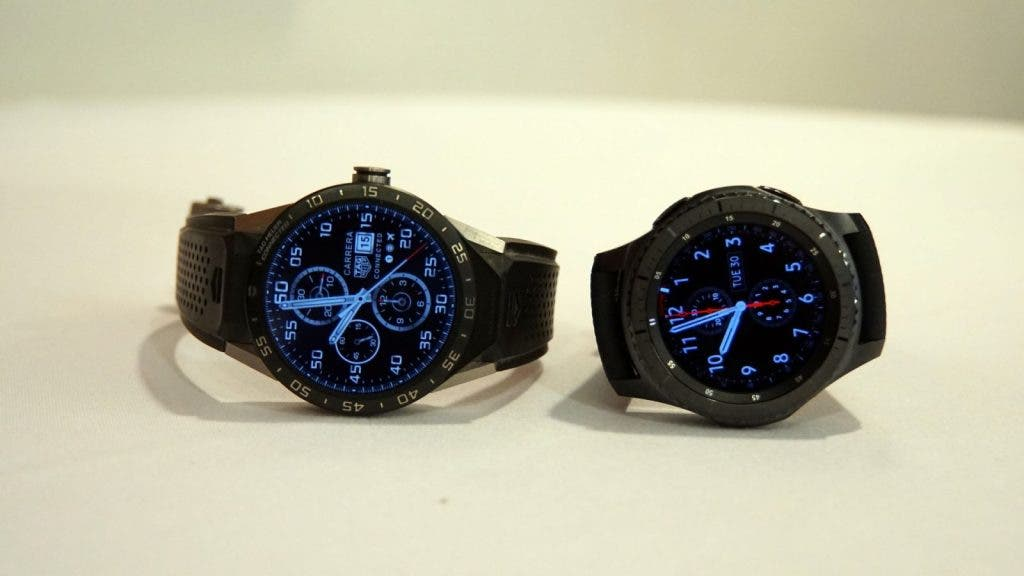 Links: Tag Heuer, rechts: Samsung Gear S3