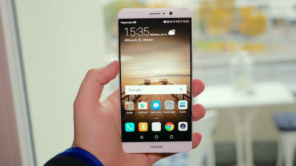 Huawei Mate 9 in der Hand