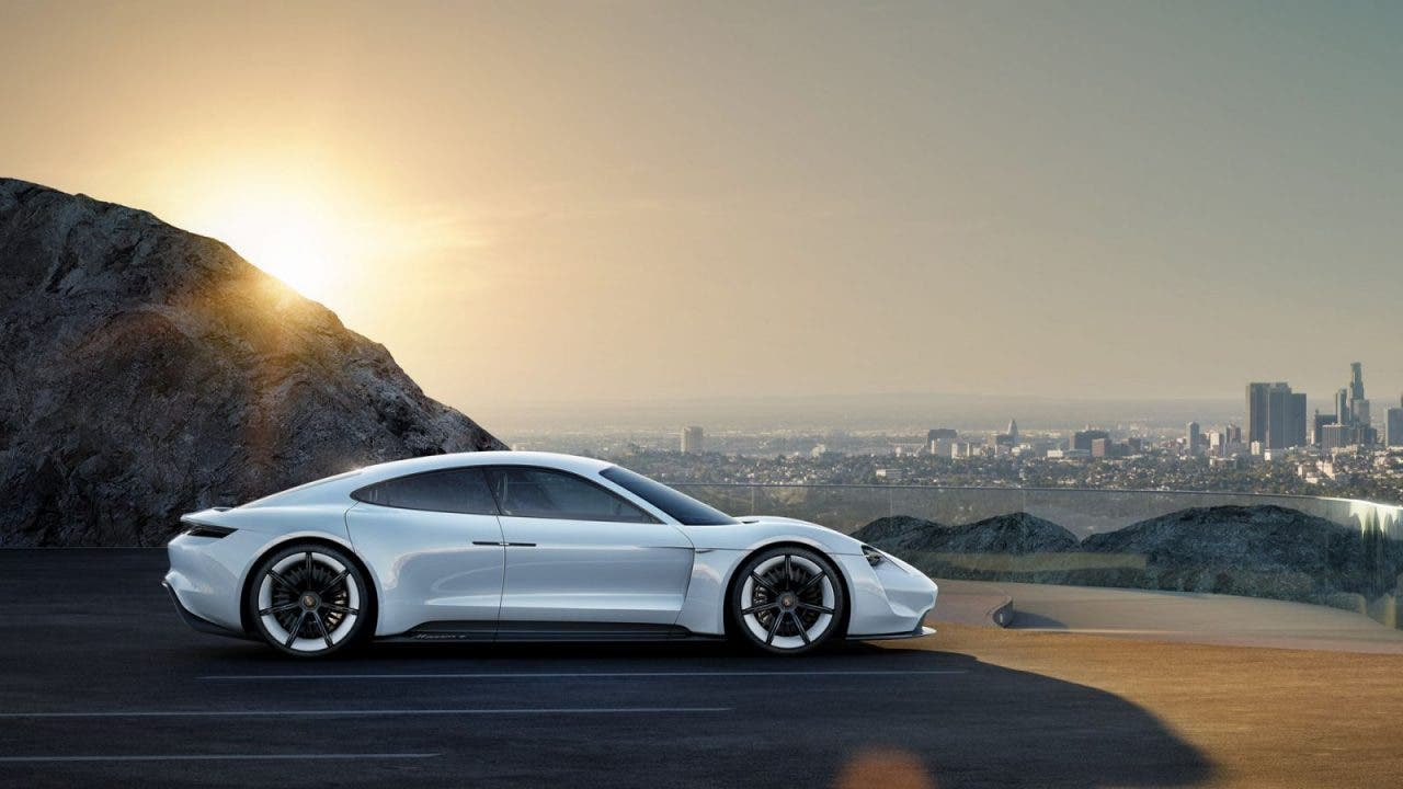 Porsche Mission E 400 Kilometer Reichweite In 15min Laden