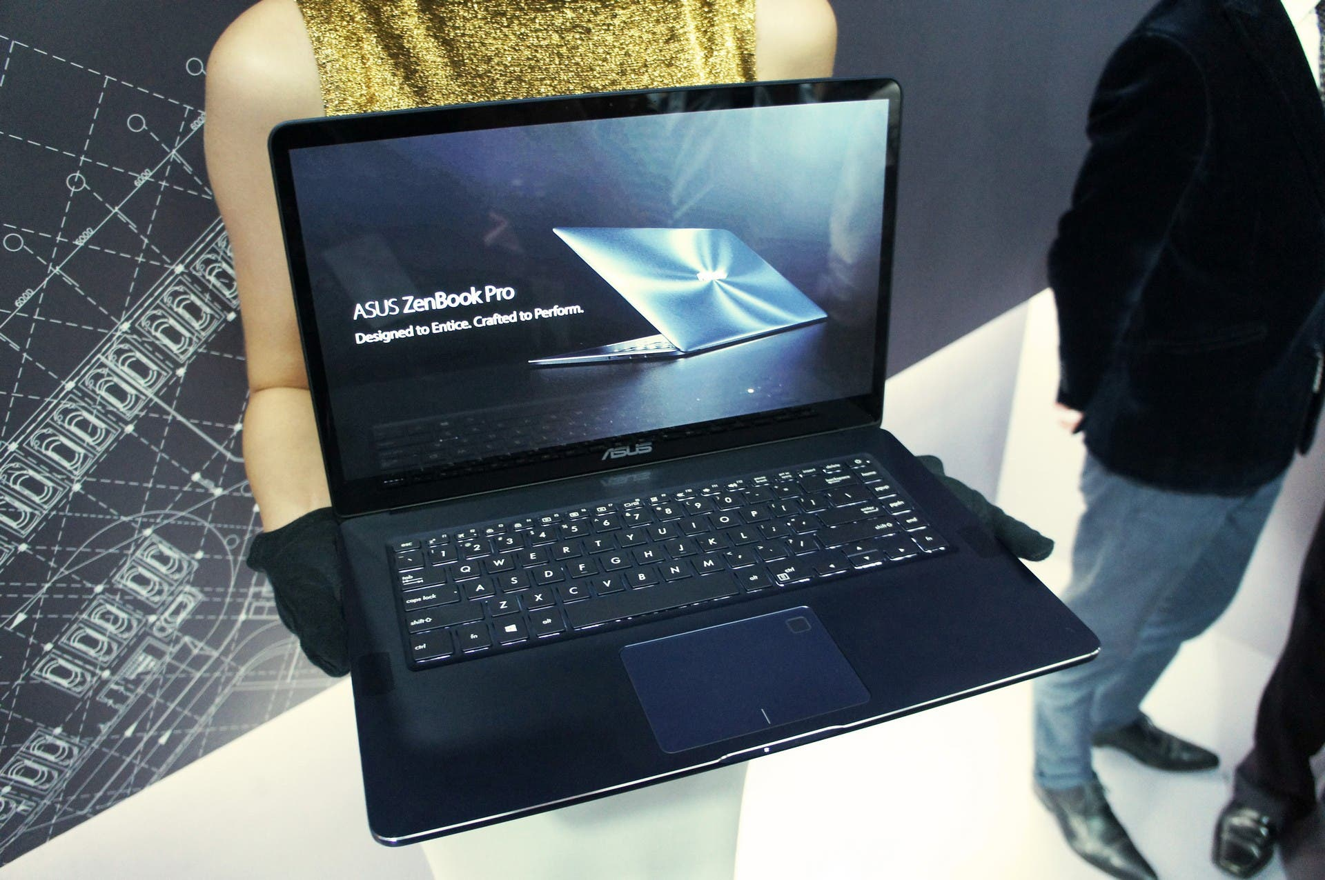 Asus ZenBook Pro (UX550) with Windows 10 Announced