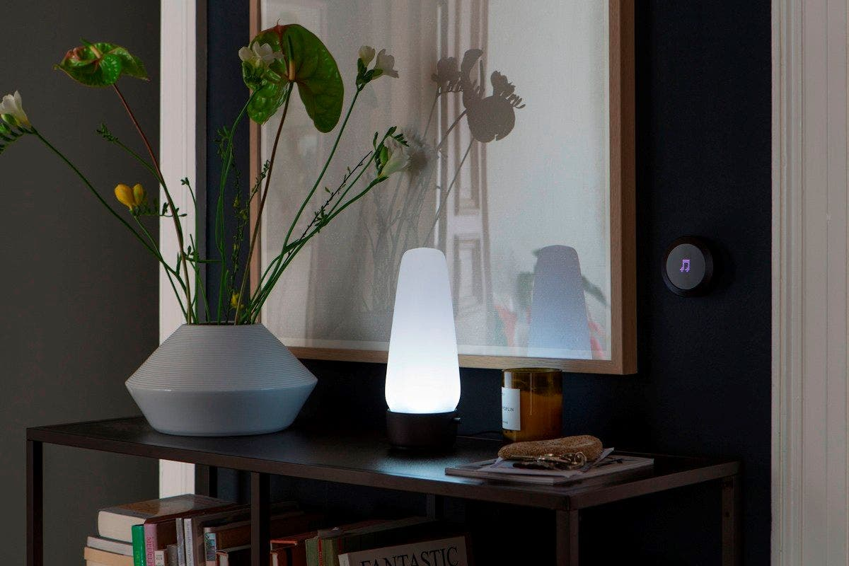 covi smart home lampe mit alexa integration auf kickstarter. Black Bedroom Furniture Sets. Home Design Ideas