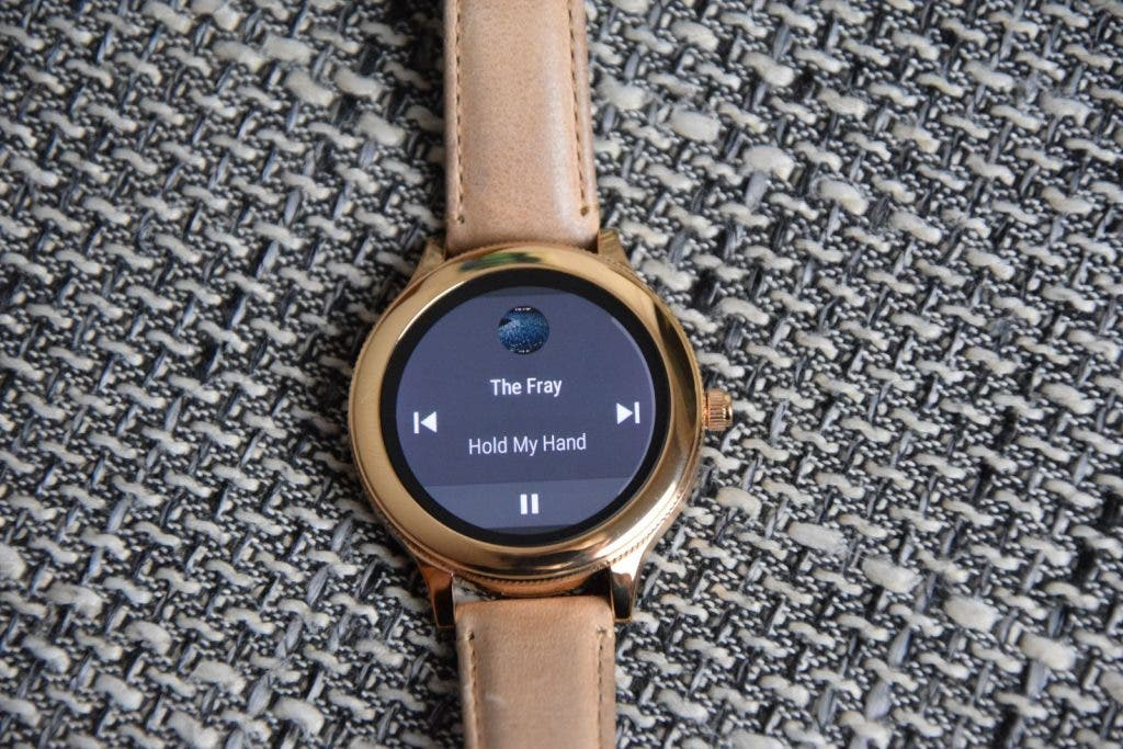 Fossil Q Venture Smartwatch, Blick aufs Display mit dem Musik-Player