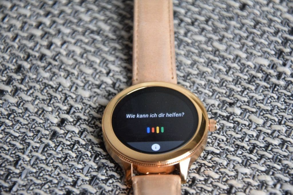Fossil Q Venture Smartwatch, Blick aufs Display mit Google Assistant