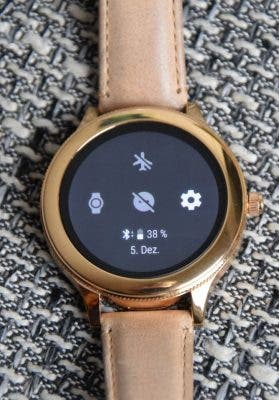 Fossil Q Venture Smartwatch, Blick aufs Display