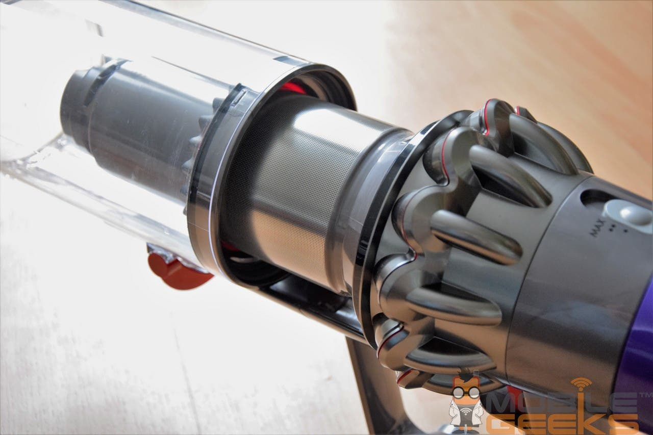 dyson cyclone v10 absolute im test teuer aber. Black Bedroom Furniture Sets. Home Design Ideas