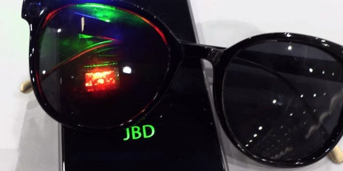 Jade Bird Display zeigt monochrome MicroLED-Displays mit 5.000 (!) ppi