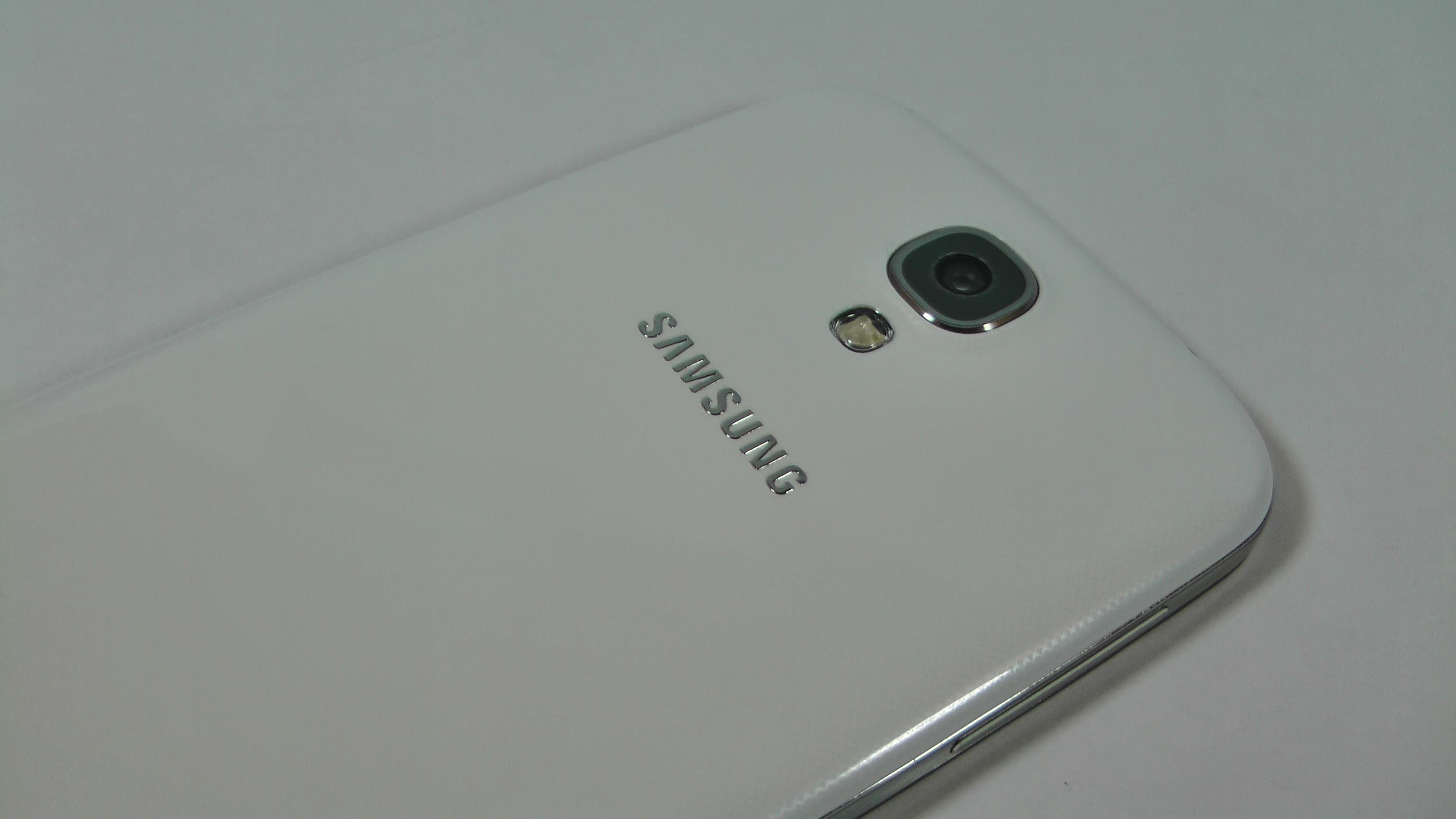 Samsung Galaxy S4 Test Hardware 17