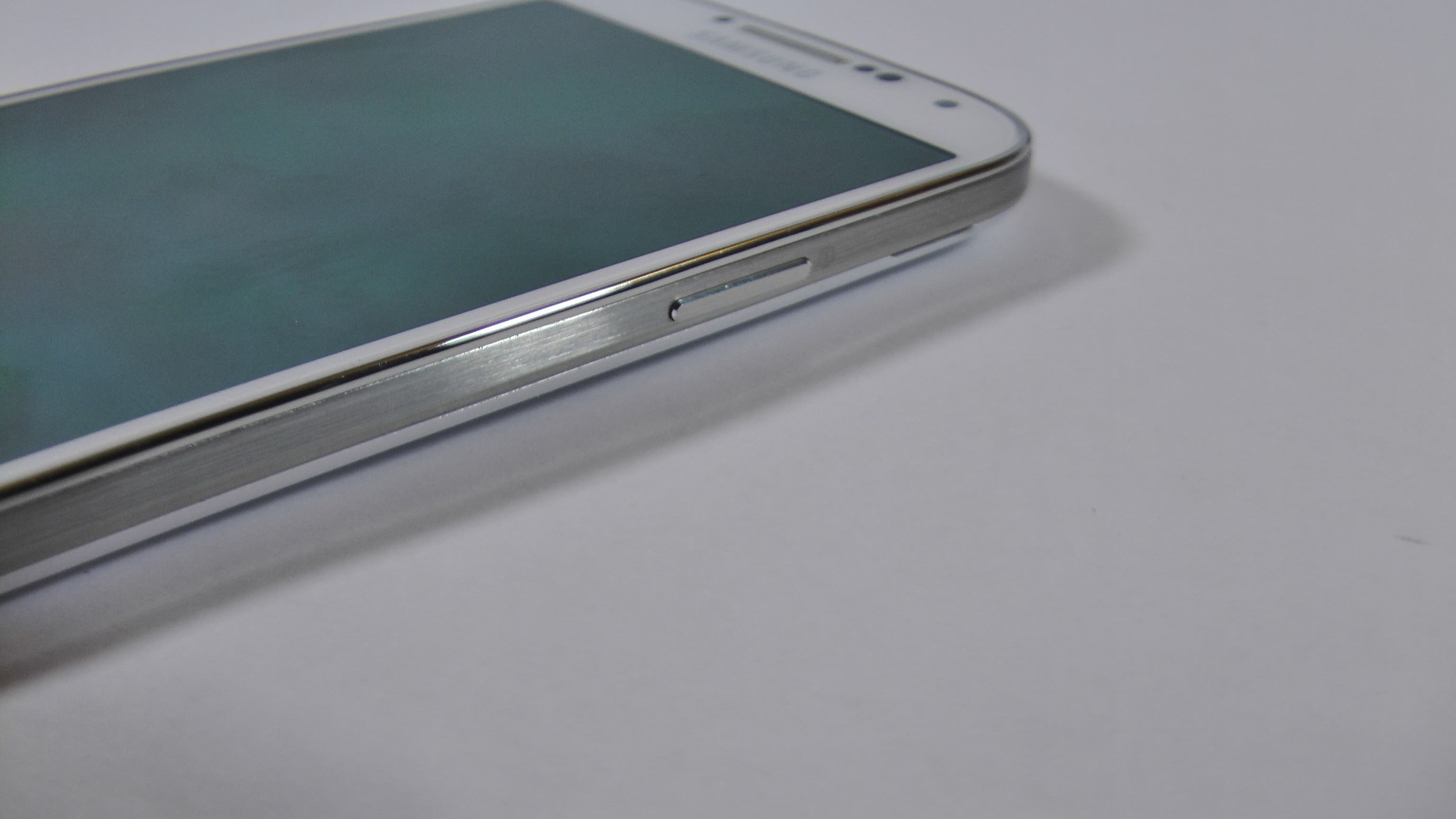 Samsung Galaxy S4 Test Hardware 9