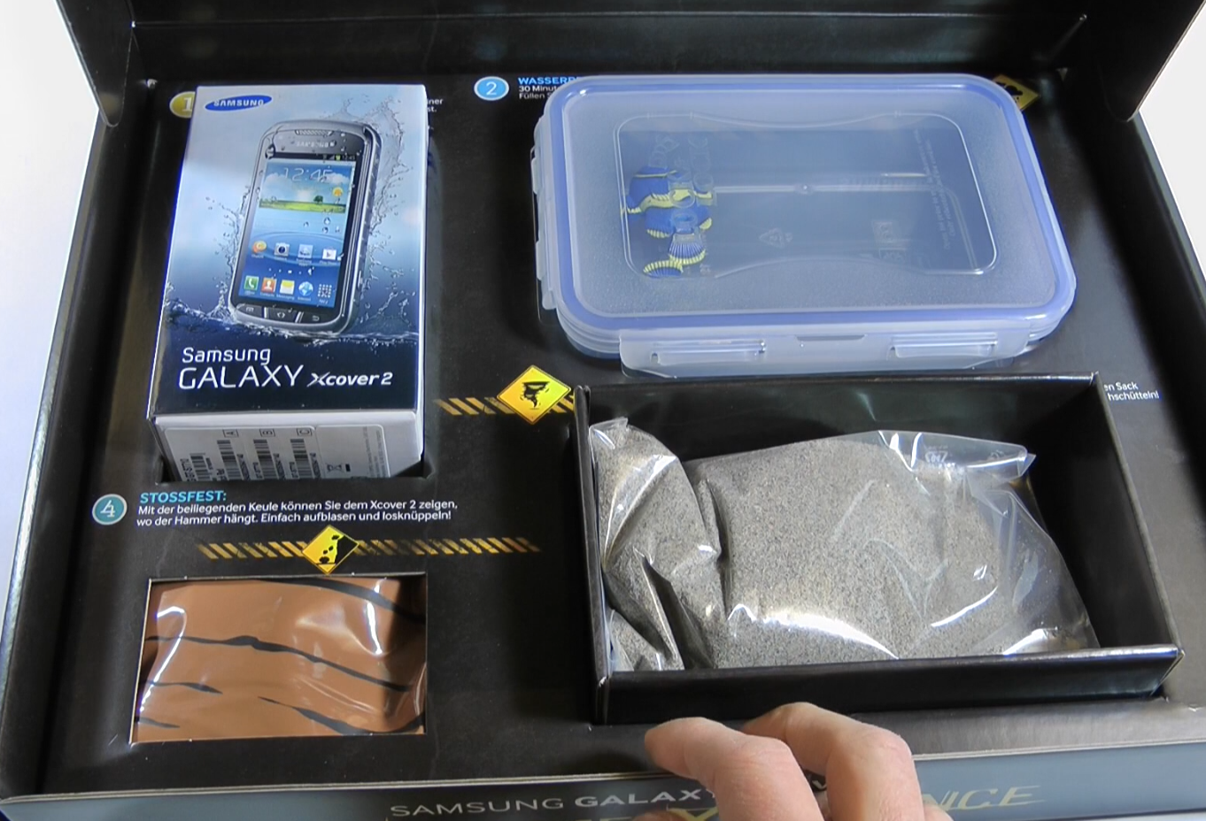 Samsung-Galaxy-Xcover-2-Unboxing